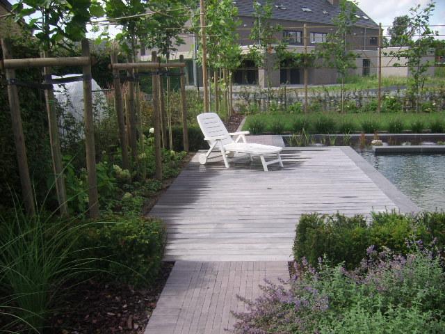 Bankirai een soort van houten platen plaatsen wij in uw tuin bij johan senden tuinaanleg uit - Terras hout picture ...